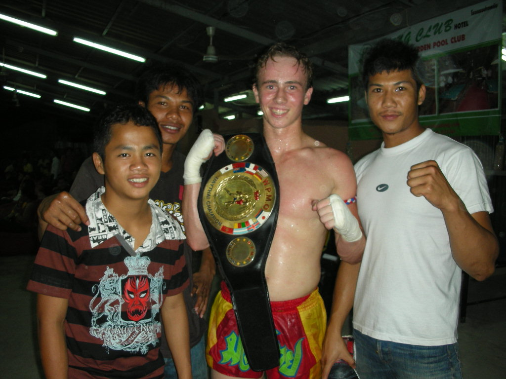 josh avison wins fight at phuket thailand